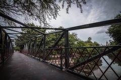 Brücke über Fluss Lizenzfreie Stockfotos