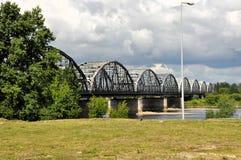 Brücke über Fluss die Weichsel in Grudziadz Stockfotos