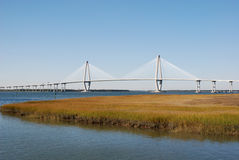 Brücke über Hafen Lizenzfreie Stockfotos