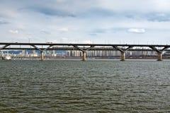 Brücke über Han-Fluss in Seoul Stockfoto