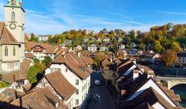 Brücke über Kirche Aare und Nydegg, Bern, die Schweiz Stockfotos