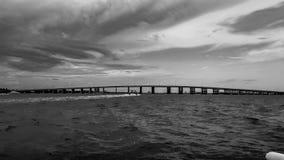 Brücke über Ozean Stockbild