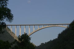 Brücke über Schlucht Stockbild