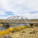 Brücke über Strom Lizenzfreie Stockfotografie