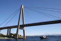 Brücke außerhalb Stavangers, Norwegen lizenzfreies stockbild