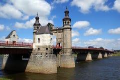Brücke auf dem Fluss stockbild