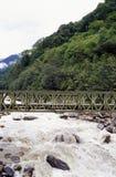 Brücke auf dem Fluss Stockfotos