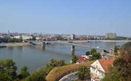 Brücke auf dem Fluss Donau Lizenzfreie Stockfotos
