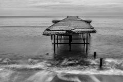 Brücke auf dem Meer in Varna Lizenzfreies Stockfoto