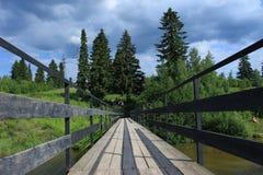Brücke auf dem Vasilyevka lizenzfreies stockbild