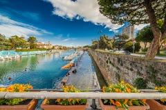 Brücke auf Kanalhafen Lizenzfreie Stockfotos