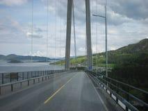 Brücke auf Landstraße Stockbild