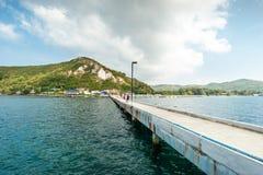 Brücke auf Meer Stockfoto