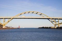 Brücke auf See-Autobahn stockfotos