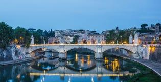 Brücke auf Tiber, Rom, Italien Stockfotografie