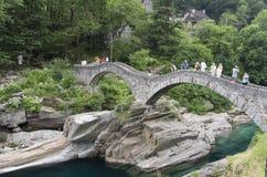 Brücke bei Lavertezzo Stockfoto