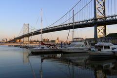 Brücke Ben-Franklin an der Dämmerung Lizenzfreies Stockfoto