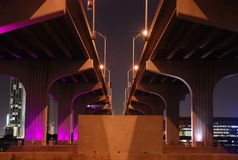 Brücke bis zum Nacht Lizenzfreie Stockfotografie