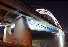 Brücke in Bratislava - Apollo lizenzfreies stockbild