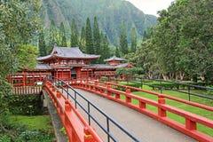 Brücke Byodo-in zum Tempel Lizenzfreies Stockbild