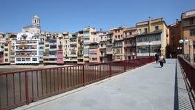 Brücke in der alten Stadt von Girona, Spanien stock footage