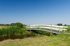 Brücke in der Landschaft Stockfotografie