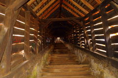 Brücke in der mittelalterlichen Stadt Sighisoara Stockfotos