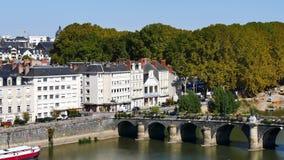 Brücke in der Stadt von Angers stock footage