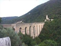 Brücke der Türme von Spoleto stockfotografie