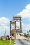 Brücke des abgehobenen Betrages am unteren 9. Bezirk stockfotos