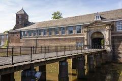 Brücke des Eingangs zum alten und historischen Schloss von Breda Holland Netherlands stockbild