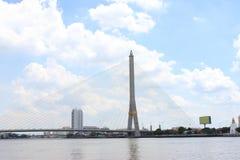 Brücke des Fluss-Rama8 in Thailand, Bangkok Rama VIII Brücke, Thailand Stockfoto