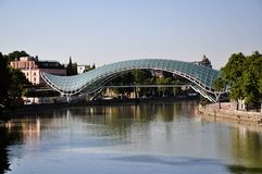 Brücke des Friedens in Tbilisi Lizenzfreie Stockfotos