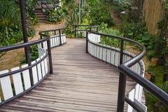 Brücke in einem Garten Lizenzfreies Stockbild