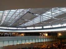 Brücke für Passagiere im Eingang Hall, Zürich-Flughafen ZRH Lizenzfreie Stockfotos