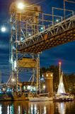 Brücke, hebend, Gegengewicht, Unterstützung, Fluss, Schwingen, Yacht, Stadt, Festival, Nacht an stockfoto