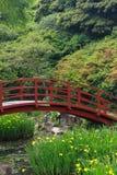 Brücke im Garten Lizenzfreie Stockbilder