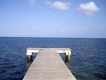 Brücke im Meer Lizenzfreie Stockfotografie