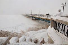 Brücke im Nebel Lizenzfreies Stockbild