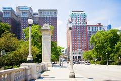 Brücke in im Stadtzentrum gelegenem Chicago Lizenzfreies Stockfoto
