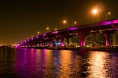 Brücke in im Stadtzentrum gelegenem Miami lizenzfreie stockbilder