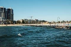 Brücke im Strand stockfoto