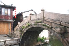 Brücke im Zhou zhuang (Zhous Stadt) Lizenzfreie Stockfotografie