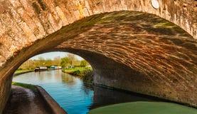 Brücke am Kanal - England Lizenzfreie Stockbilder