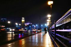 Brücke Kasr EL Nil nachts lizenzfreies stockfoto
