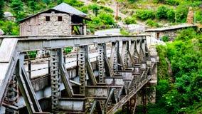 Brücke am ländlichen Gebiet von Indien lizenzfreie stockfotos