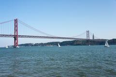 Brücke Lissabon Ponte 25 de Abril Lizenzfreies Stockbild
