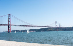 Brücke Lissabon Ponte 25 de Abril Lizenzfreies Stockfoto