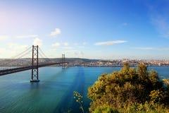 Brücke in Lissabon Portugal Stockbilder
