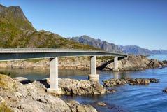 Brücke, Lofoten-Inseln Lizenzfreie Stockbilder